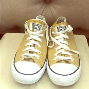 Converse Shoes - EUC Converse Gold size 9